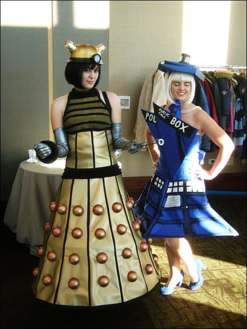 dalek-tardis-cosplay