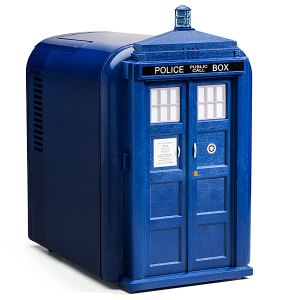 f0f4_doctor_who_tardis_mini_fridge