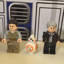 LEGO Star Wars Millennium Falcon 75105 Building Kit – Review